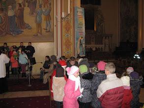 Photo: dzieci, jak przystalo na sw. Mikolaja, dostawaly prezenty...