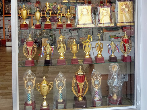 DEEP TROPHIES AND GIFT HOUSE ( Awards/ Mementos/ Medals/ Prizes/ Corporate Gifts/ Souvenirs/ Gifts)