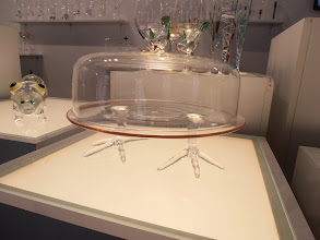 Photo: Love the bird feet on this cake holder. Massimo Lunardon Glass, Italy.  www.massimolunardon.it #ambiente14