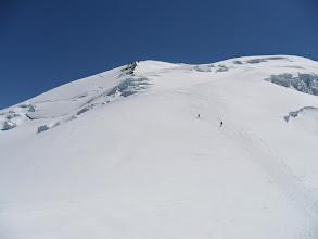 Photo: Desde la cabaña Vallot hacia la Dome de Gouter.
