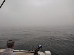 Photo: ・・・霧でウキが見えません。 まだ70mぐらいなのに。