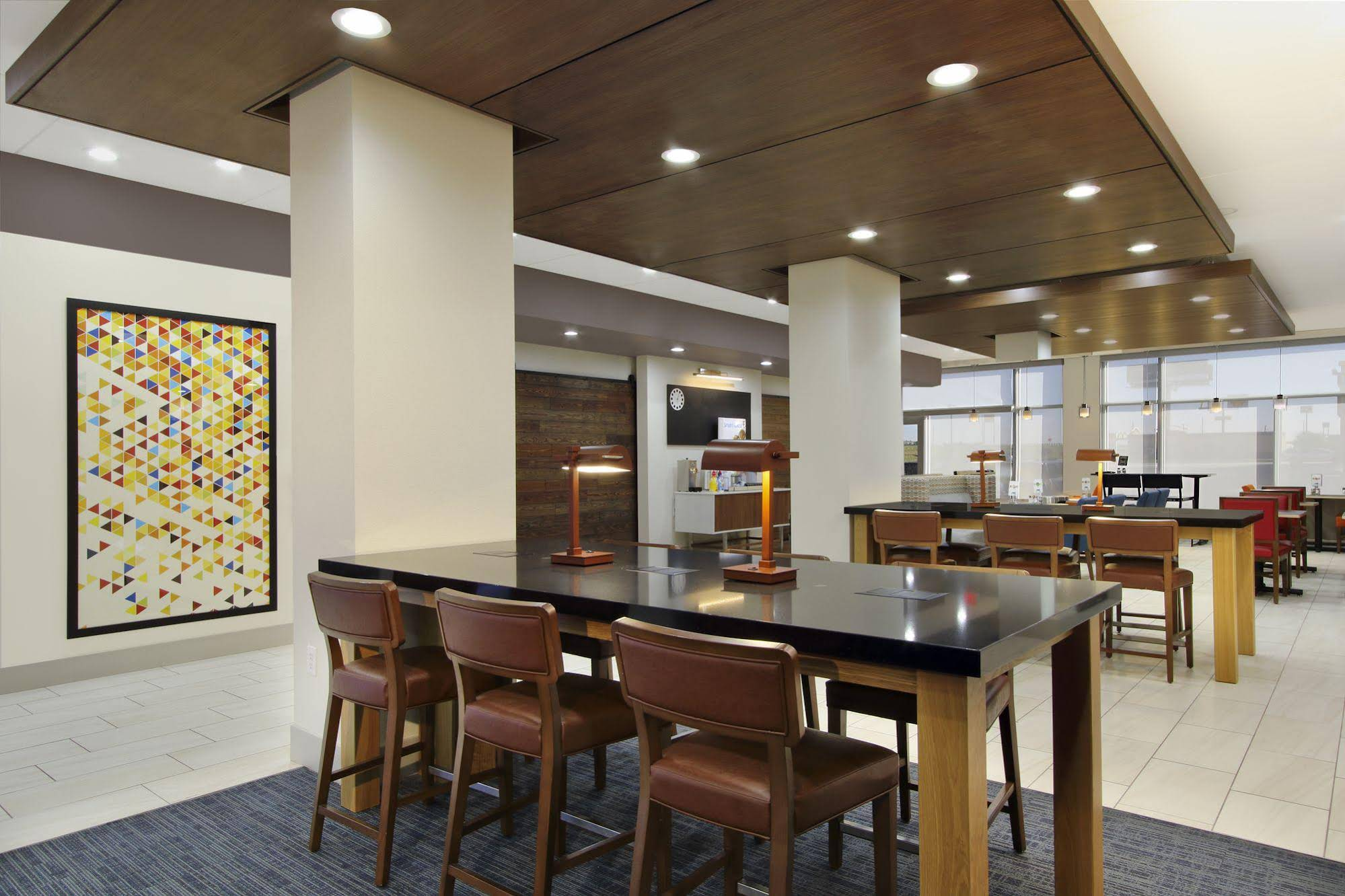 Holiday Inn Express and Suites Brookshire Katy Freeway