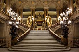 A pair of golden tyres at the Opéra Garnier in Paris provokes public ire |  The Art Newspaper