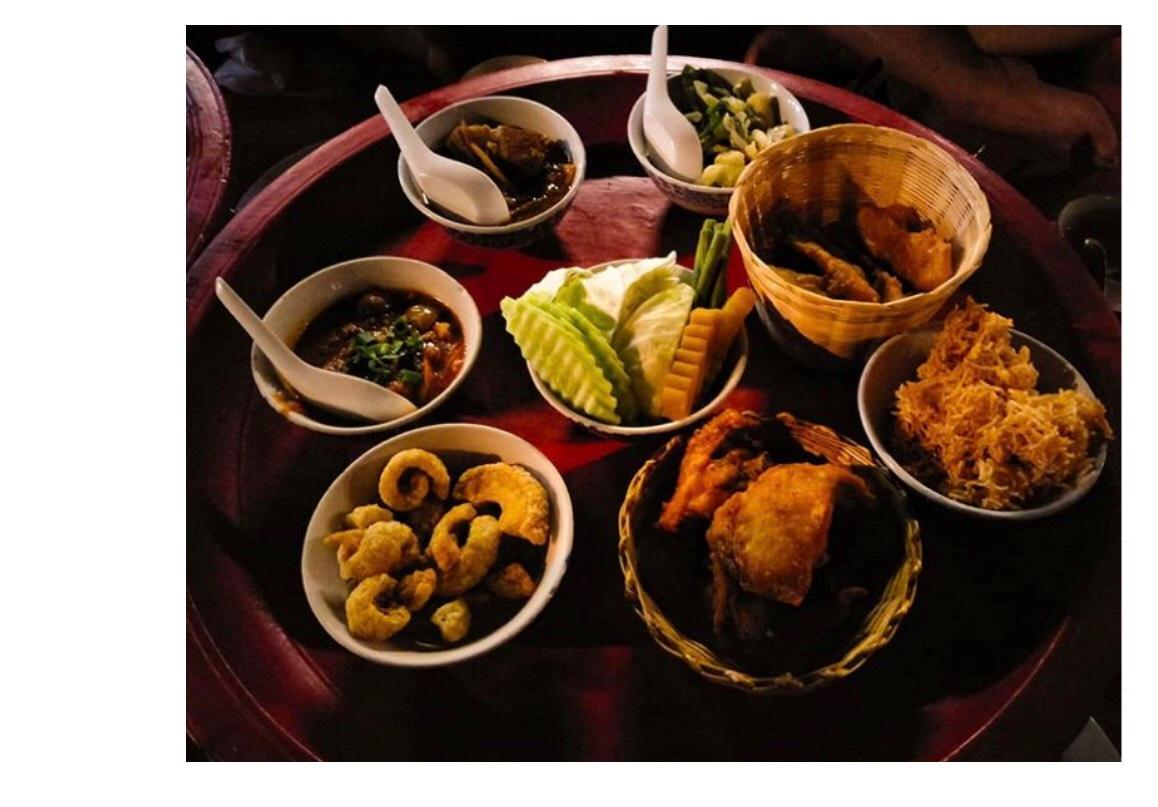 Bữa ăn tối truyền thống trong vương Quốc Lana cổ