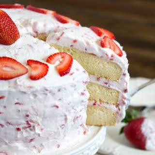 Fresh Strawberry Cake.