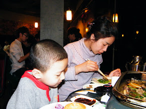 Photo: family dined out in a toast buffet, suggested by benzrad 朱子卓, the proud dad, who treats them.