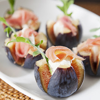 Fig and Cheese Canapes.