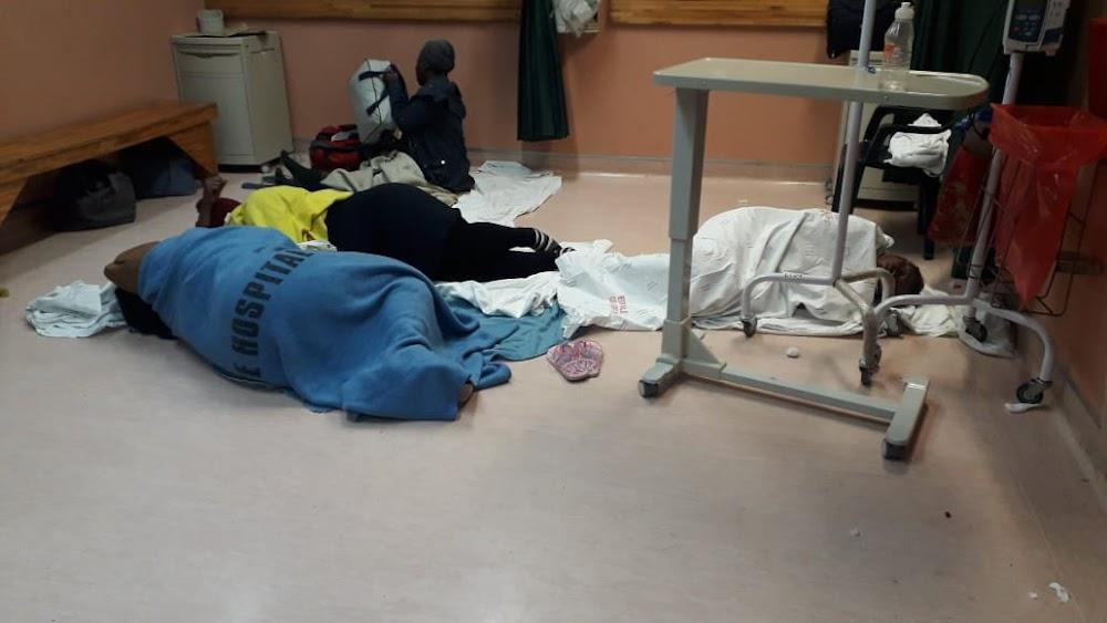 Gesondheidsbaas in Gauteng wil antwoorde kry nadat swanger vroue in die Edenvale-hospitaal op die vloer slaap - SowetanLIVE