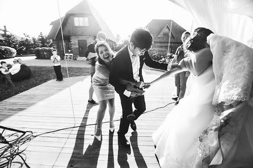 Wedding photographer Oleg Zaycev (olegzaicev). Photo of 11.04.2015