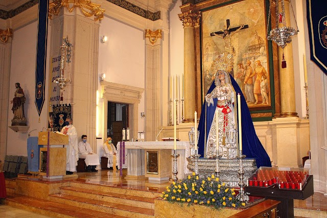 La Hermandad del Amor celebró triduo en honor a su titular, la Virgen del Primer Dolor.