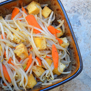 Ginisang Togi at Tokwa (Tofu and Bean Sprouts Stir Fry)