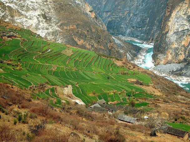 Três Rios Paralelos das Áreas Protegidas de Yunnan