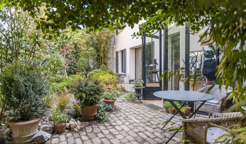 Maison avec jardin Paris 16ème
