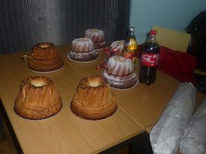 Photo: Els francesos ens vam oferir uns pastissos