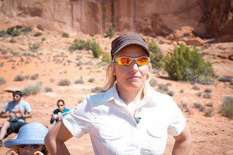 Photo: Rabbi Jamie Korngold, teaching the group at a bonus stop, during the Adventure Rabbi Passover in Moab Retreat.