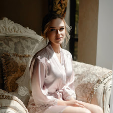 Wedding photographer Sergey Smirnov (ant1sniper). Photo of 13.09.2018