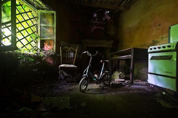 Casa abbandonata a Filettino (Paese fantasma in val di Vara) di Massimiliano_Montemagno