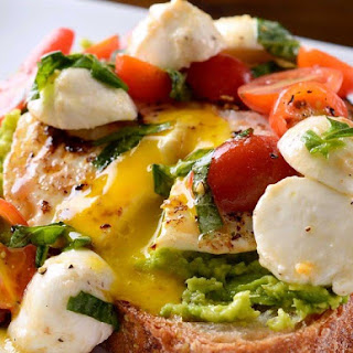 Caprese Avocado Breakfast Toast Recipe