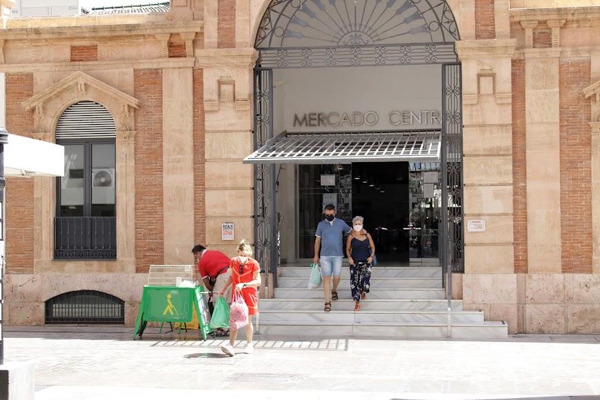 Acceso a Mercado Central por calle Aguilar de Campoo.