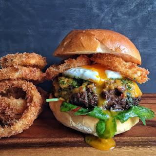 Crispy Onion Rings Burger