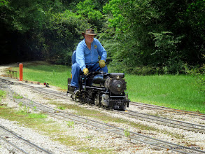 Photo: Doug Blodgett waiting for another train to arrive at the closest track and they he ran beside it.     HALS Public Run Day 2015-0516 RPW