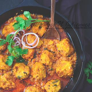 Bhapouri-Steamed Lentil Dumpling Curry