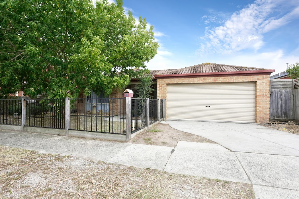 Main photo of property at 35 Bateman Grove, Hampton Park 3976