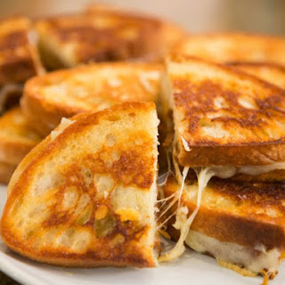 Grilled Cheese with Caramelized Onions