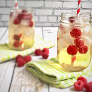 Raspberry Ginger Ale Cocktail Recipes.