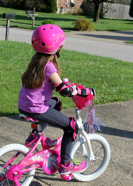 Wipeout's Dry Erase Bike Protective Gear is a fun and stylish way to keep kids safe. Kids bike safety gear has never been so cute - and so easy to personalize.