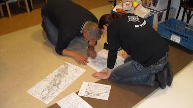 Photo: de grote kaart wordt gemaakt