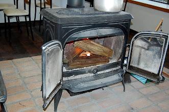 Photo: 暖炉 冬季には活躍しています