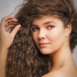 Eliza by Matthew H. Sturgess - People Portraits of Women ( model, headshot, russian, beauty, hair )