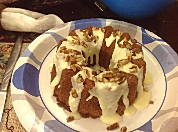 HERE IS THE SMALLER CAKE, I GAVE IT TO MY NEIGHBOR, ALONG WITH ...