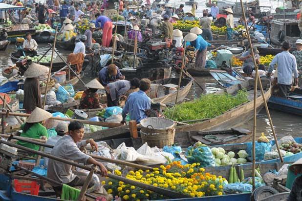 Le marché flottant de Phong Dien