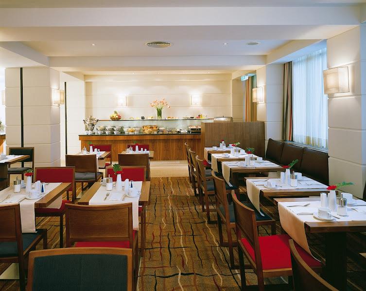 Photo: K+K Hotel am Harras, Munich - Breakfast Area