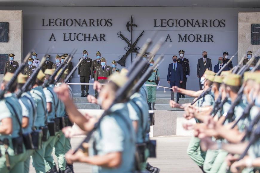 La Brigada de La Legión ha conmemorado su CI Aniversario Fundacional realizando una parada militar.
