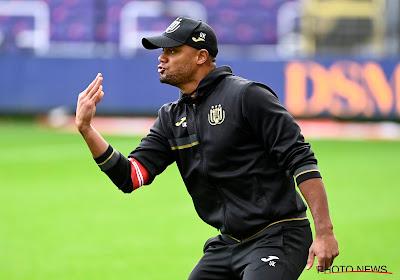 """Kompany maakt zich niet druk dat Anderlecht de bal niet had: """"Durf ik het zeggen? We hebben een volwassen match gespeeld"""""""