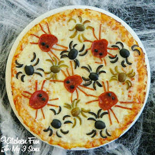 Halloween Spider Pizza.