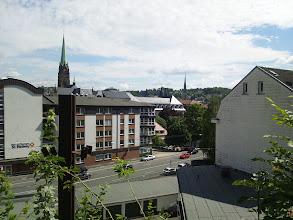 Photo: Das Hedwigsheim am Bergischen Ring mit dem Marienhospital im Hintergrund.