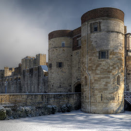 The Tower of London in Snow by Bill Green - Buildings & Architecture Public & Historical ( the tower of london )