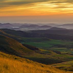Sunrise above Auvergne by Pascal Bénard - Landscapes Mountains & Hills ( sunrise, auvergne,  )