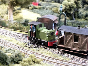 Photo: 015 One of my favourites in the small diesel loco sector is this Ruston & Hornsby 27-32 built from the Meridian models kit and in the case of this one, John Thorne has built it onto an Arnold Kof2 chassis which produces a very sweet running model .