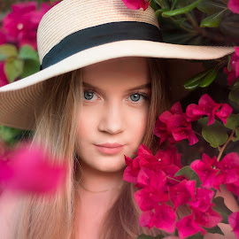 Beauty is how you feel inside, and it reflects in your eyes. by Inna Fangel - People Portraits of Women ( red, flowers, woman, beauty, eyes,  )