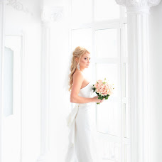 Wedding photographer Alla Kostomarova (superpupper). Photo of 22.12.2015