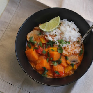 Red Curry Vegetable Soup Recipe (vegan)