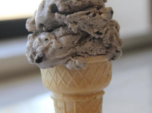 """Super Creamy Oreo Ice Cream """"If you love Oreo's (who doesn't?), this..."""