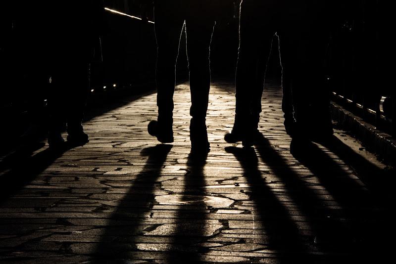 Walking shadows.. di giulia_andriani