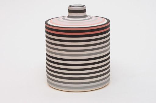 Jin Eui Kim Ceramic Jar 03