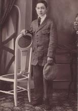 Photo: Pedro Cester Lavilla cuando tenía 15 años (La foto fue tomada a mediados del siglo XX posiblemente en Atea, y enviada a esta web por Manuel Cester.)